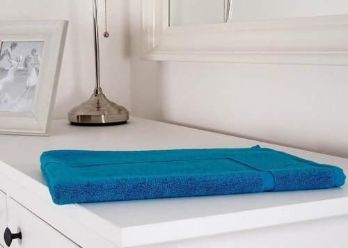 Modrá hotelová koupelnová předložka