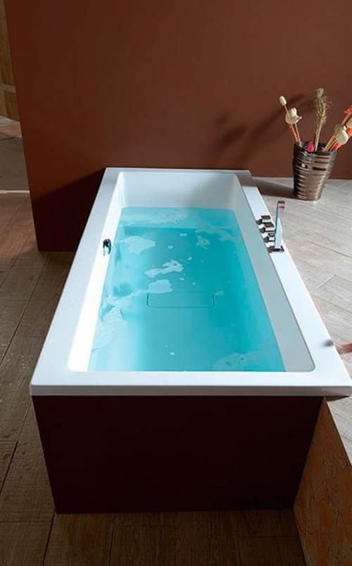 Obdelníková vana do moderních koupelen