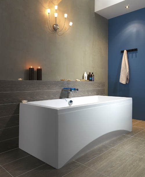 Vana do minimalistické koupelny