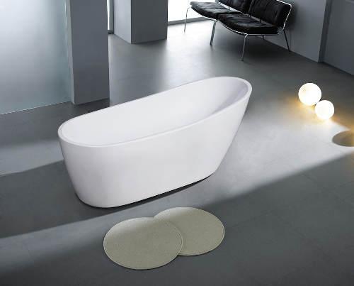 Volně stojící vana pro pohodlnou koupel