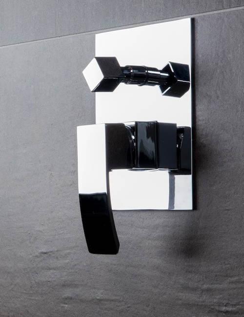 Podomítková baterie do moderní koupelny