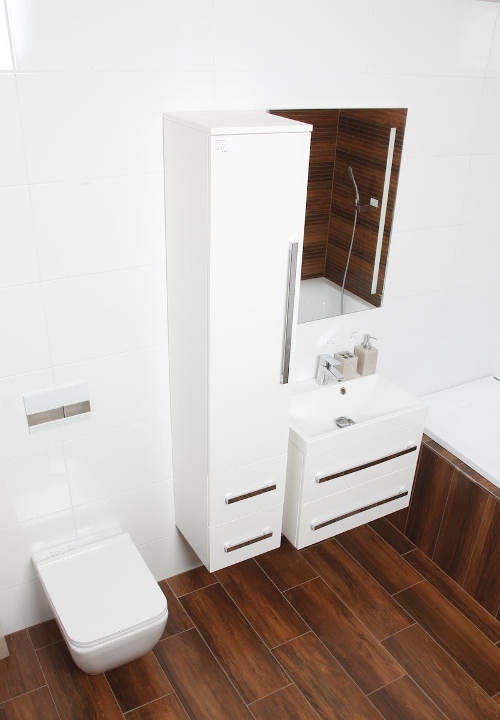 Koupelnová skříňka se samouzaviracími pojezdy