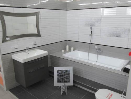 Skříňka do šedé koupelny