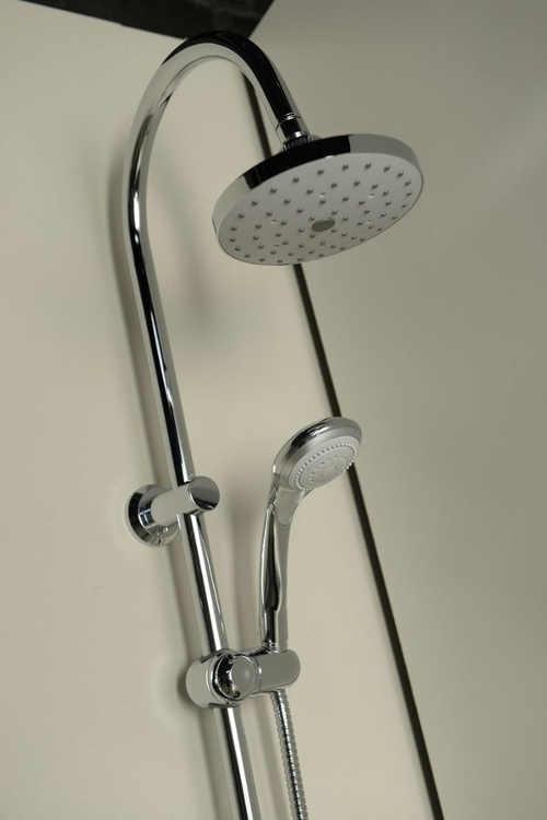 Hlavová sprcha s otočným kloubem