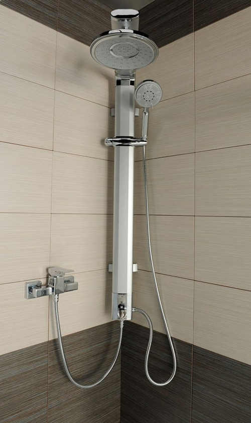Nástěnná  sprcha do rohu sprchového koutu