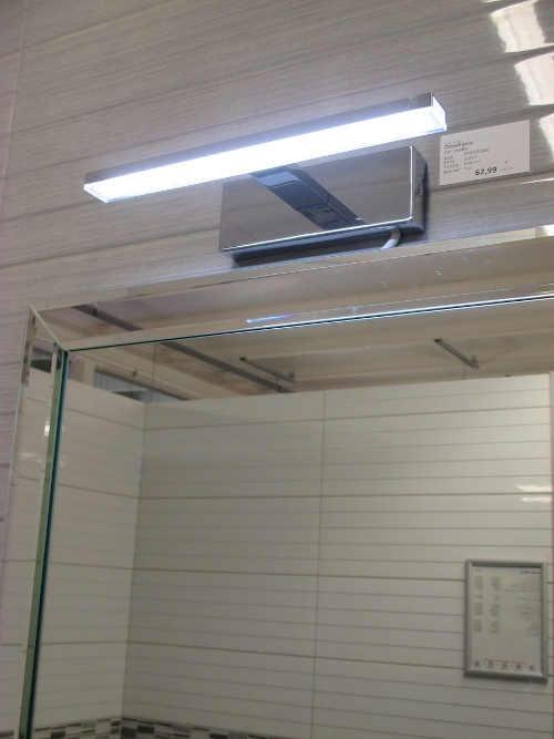 Nerezove-LED-svetlo-nad-zrcadlo.jpg