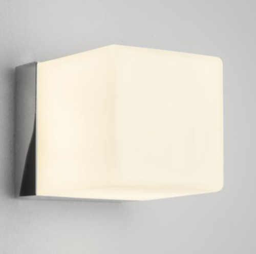 Čtvercové nástěnné svítidlo do koupelny ASTRO CUBE