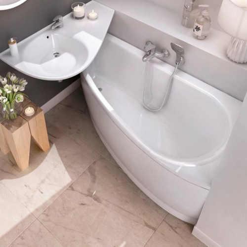 Malá koupelna umyvadlo přes vanu