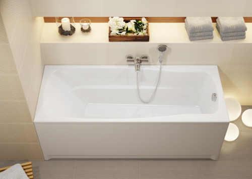 Obdélníková vana ideální pro koupání i sprchování