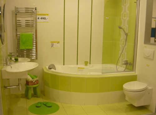 Rohová vana se zástěnou pro sprchování