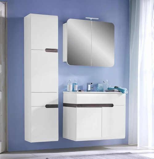 Bílé koupelnové skříňky bez úchytek