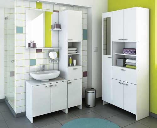 Praktické levné bílé skříňky do koupelny