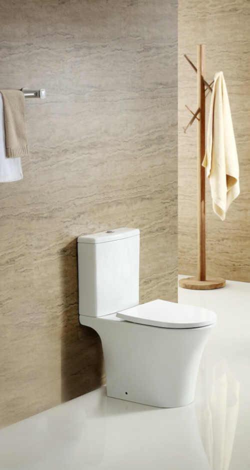WC s nádržkou i prkénkem bílé