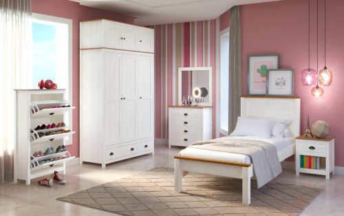 Bílý nábytek do pokoje dospívající dcery