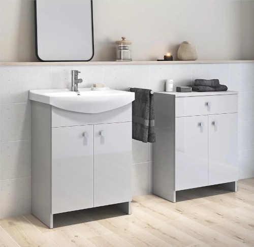 skříňka do koupelny s umyvadlem